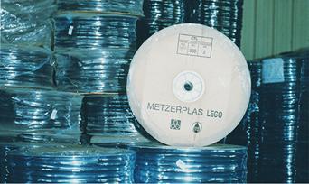 Producción de goteros auto-compensados con Lego